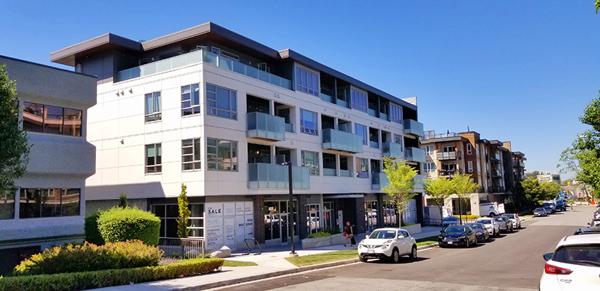 corner view of five point residential architecture in north vancouver